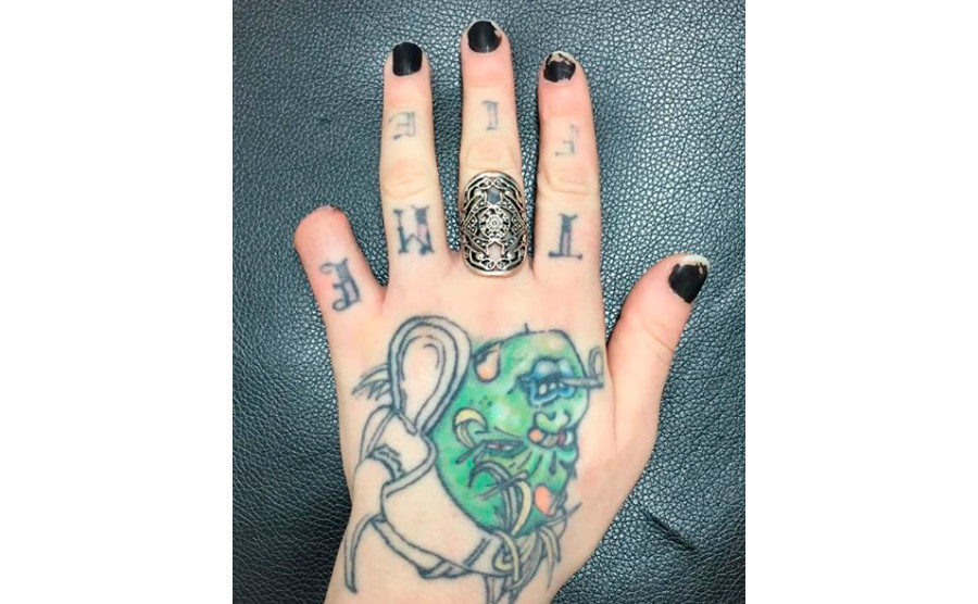 Seriously Disturbed Tattoo Artist Cuts Off Her Own Little Finger With Bolt Cutters Shares Picture On Facebook Graphic Society S Child Sott Net