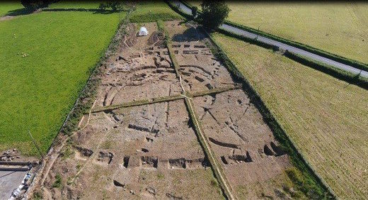 Eight hundred medieval bodies found during hillfort dig in Roscommon, Ireland
