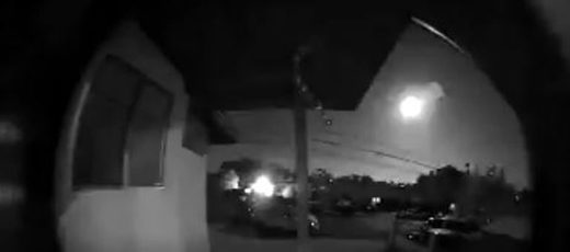 Bright meteor fireball streaks over Southern California skies