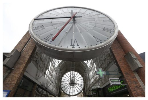 A giant clock.