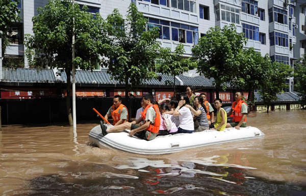 More than 700 dead and 650,000 homes destroyed in Chinese floods