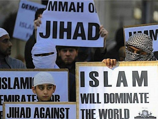 Islam signs crowd