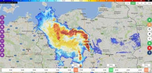 Bow echo storm over Poland