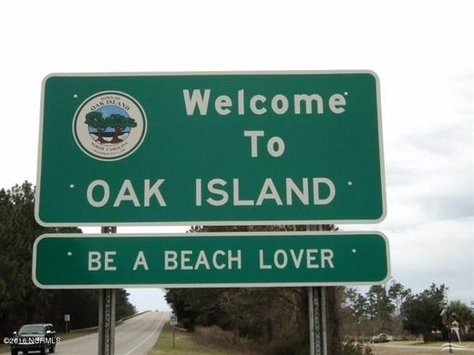 Oak Island welcome sign