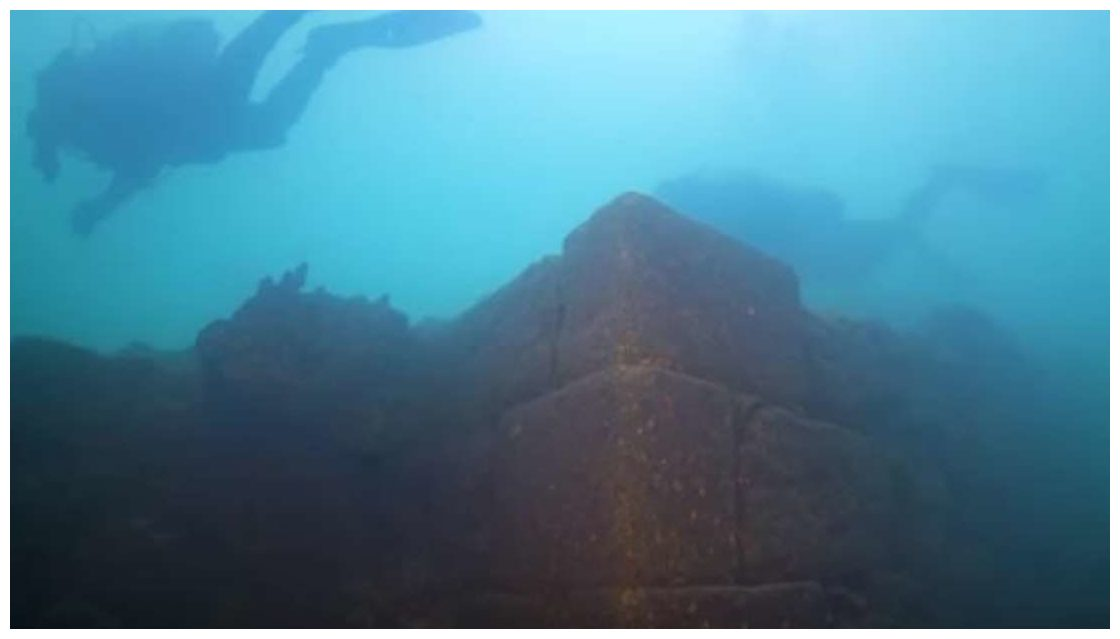 791c14f1589f0d Ancient castle discovered underwater in Lake Van