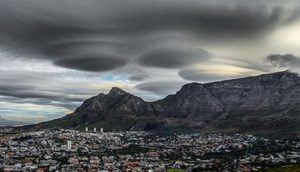 Cape Town UFO slouds