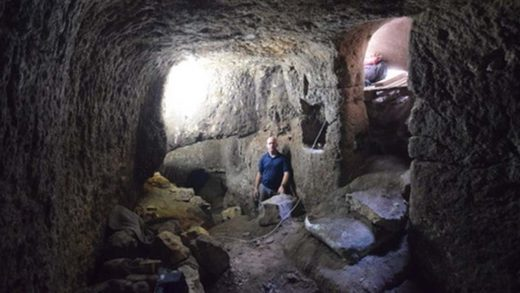 2,000 year old Roman stables accidentall discovered in Families backyard