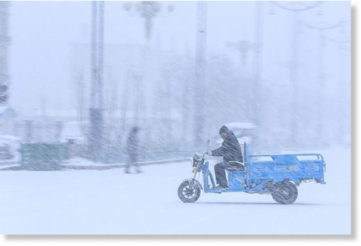 Heavy snow in Beitun, in China's Xinjiang autonomous region, on Wednesday.