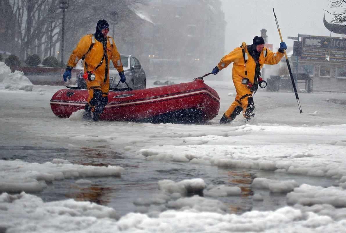 Adapt 2030 Ice Age Report: Bombogenesis USA - Icy sea ...