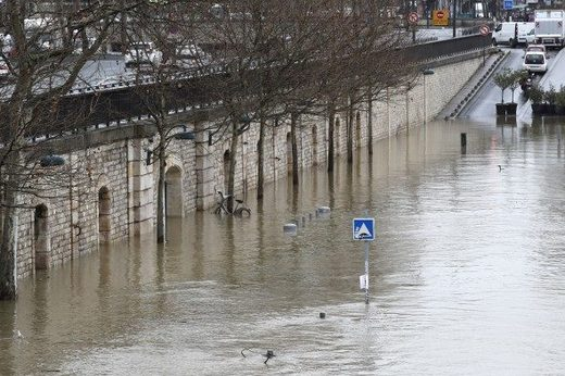 seine flooding paris Jan 2018