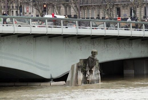 Seine flooding Paris january 2018