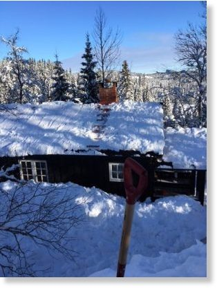 It's time to shovel rooftops all over Southern Norway after heavy snowfall this winter.