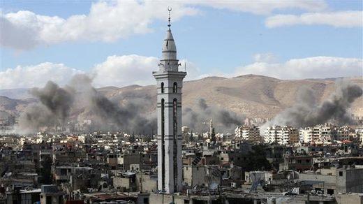 東部Ghouta地方から煙が上がる