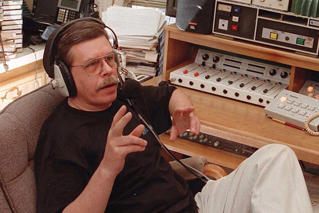 Coast to Coast AM' radio host Art Bell dies at 72 (Update