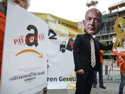 Protest germany amazon bezos