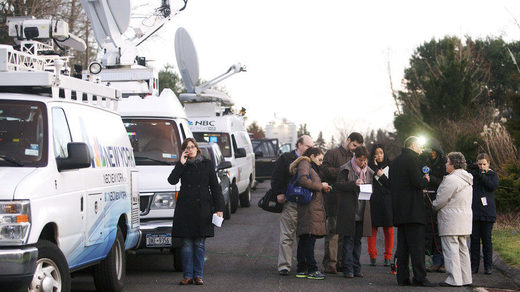 media Sandy Hook school shooting