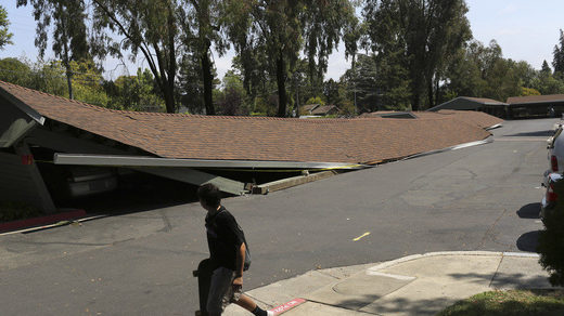 Aftermath of 6.0 quake in Napa, CA