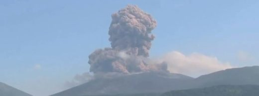 Explosive eruptions continue at Shinmoedake volcano, Japan
