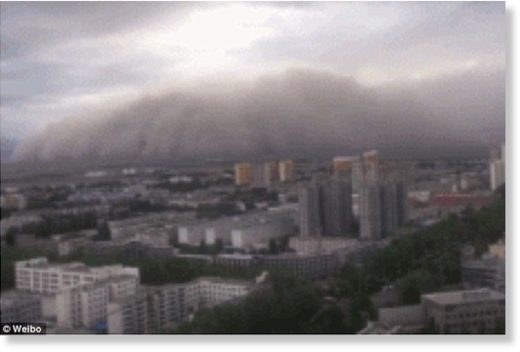 Apocalyptic scenes of dust cloud rolling over a city in north China are captured by residents