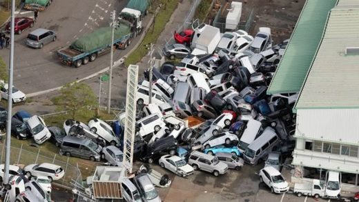 Cars in Kobe were overturned and toppled by strong winds - typhoon Jebi