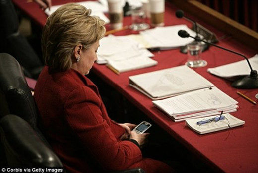 hillary clinton on her blackberry