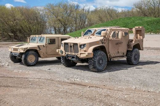 unarmored HMMWV and  armored JLTV