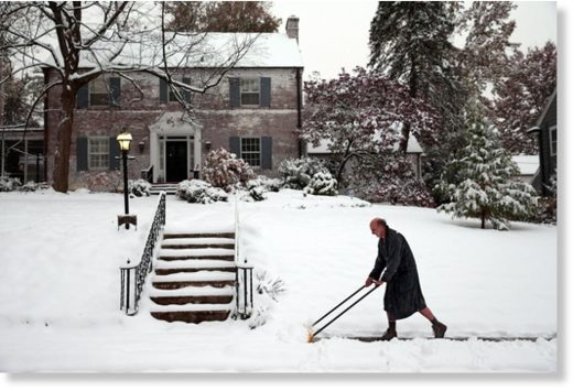 Webster Groves residents dig out of snowstorm