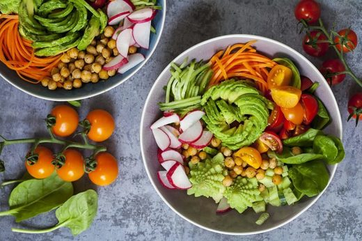 A comprehensive list of reasons why vegan and vegetarian diets easily ruin your body