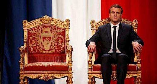 Macron_on_throne.jpg