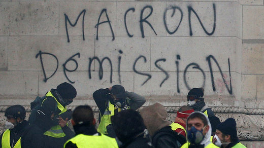 macron_demission.jpg