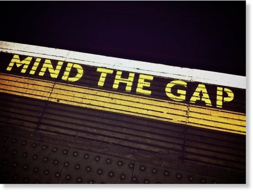 mind_the_gap_1876790_640.jpg