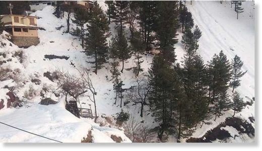 Heavy snowfall in Galyat breaks 35 years old record