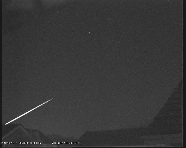 Meteor fireball sighted in 5 countries in Europe, photographed by 3