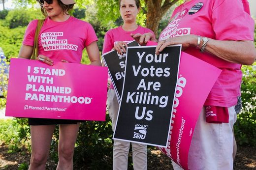 Supporters of Planned Parenthood