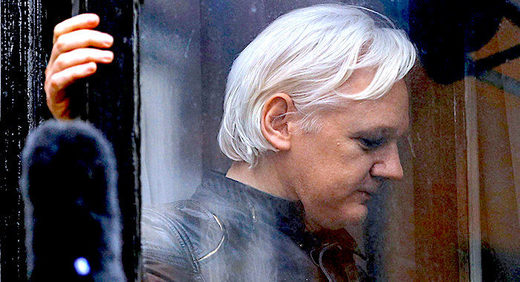 1Assange_Reuters_Peter_Nicholl.jpg