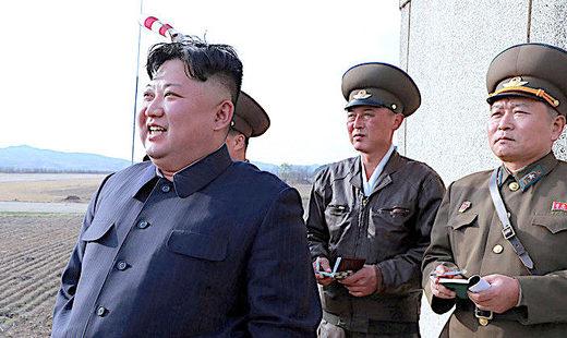 5Kim_Jong_un_and_military_Reut.jpg