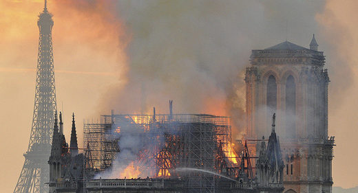 notre dame fire roof