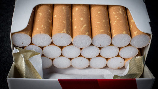 Illinois bans under 21 tobacco purchases