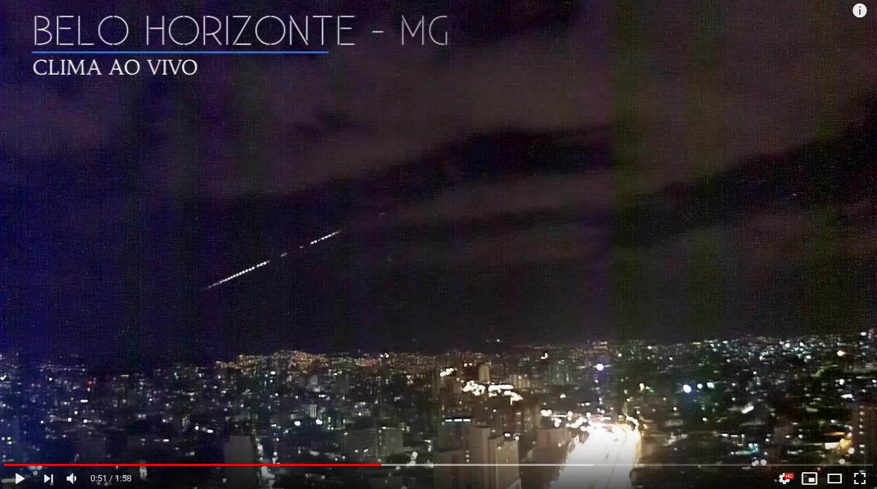 Meteor Fireball seen streaking through skies in Rio de Janeiro