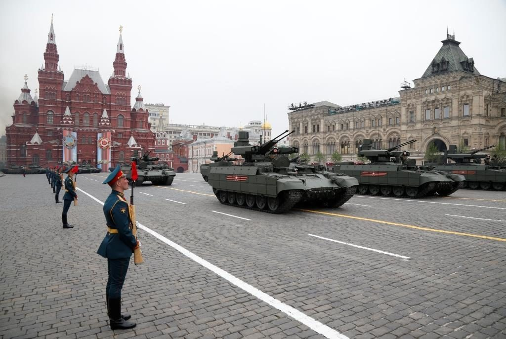 фото с парада сегодня насыщенность нуля, дальше