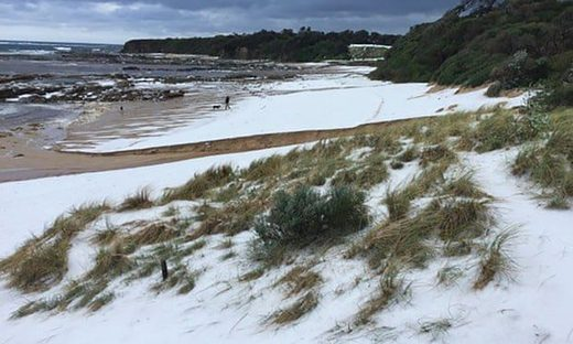 Victoria's Cape Paterson looked like a snowfield after it was hit by a large hailstorm