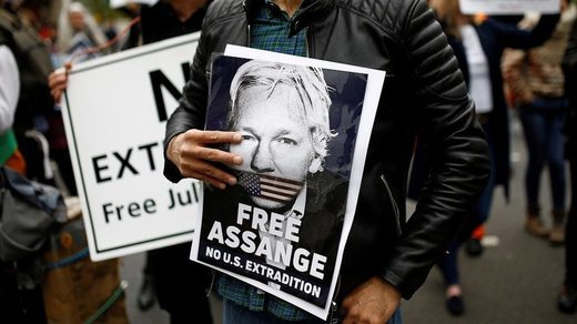 assange extradition protest