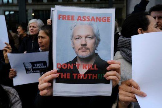 free assange sign