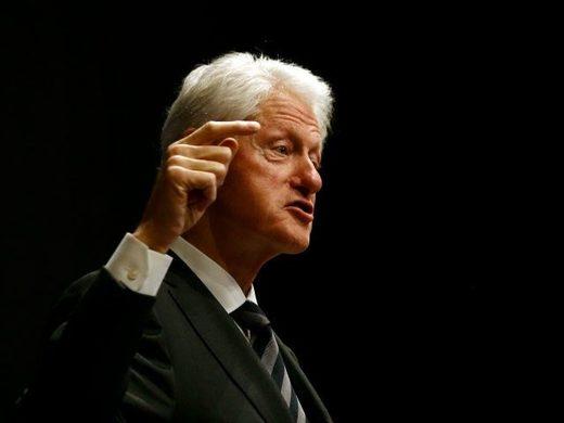 Bill_Clinton_profile_finger_po.jpg