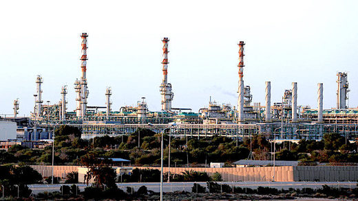 5OIl_facility_Reuters_Hani_Ama.jpg