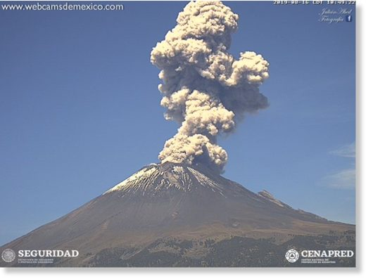 Eruption of Popocatépetl this afternoon