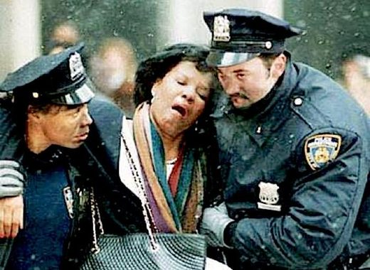 2 NYPD officers help woman