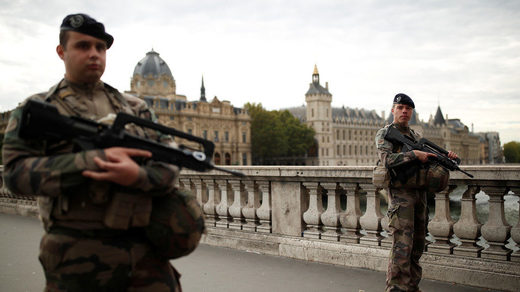 paris security personnel