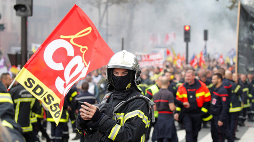 firefighters protest paris yellow vests