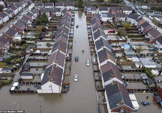 houses flooded uk